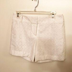 LOFT   white geometric eyelet shorts size00 NWT